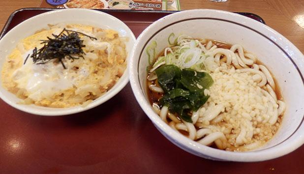 「冷やしたぬき(280円)」と「ミニ玉子丼(250円)」