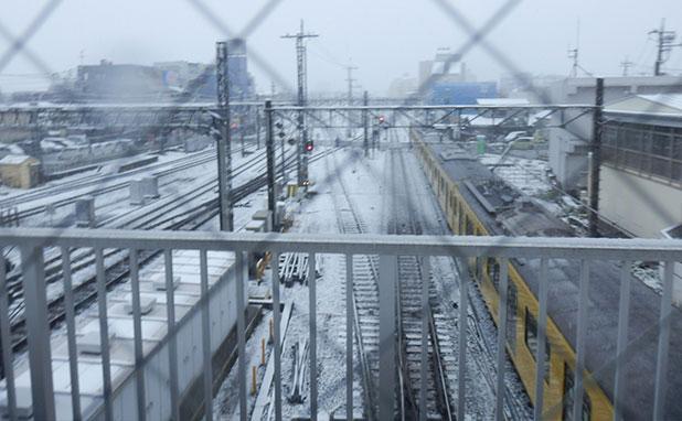 線路にも雪が
